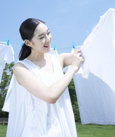 옷에 묻은 얼룩 깨끗하게 제거하는 방법