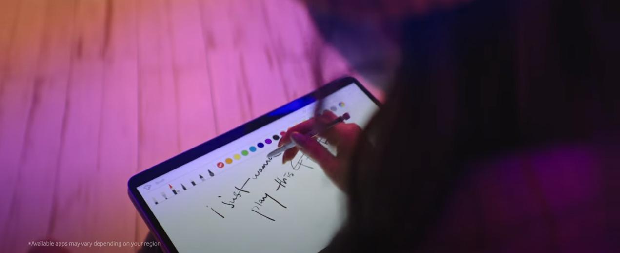 워시엔조이 셀프빨래방에서 촬영된 헤이즈 삼성 노트북펜 광고 영상 촬영 사진입니다.